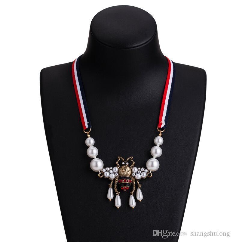 2019 nuovi scaffali del progettista di marca delle ragazze delle donne della collana del pendente della perla del Rhinestone dell'ape collana marca famosa gioielleria regalo per LoveH118