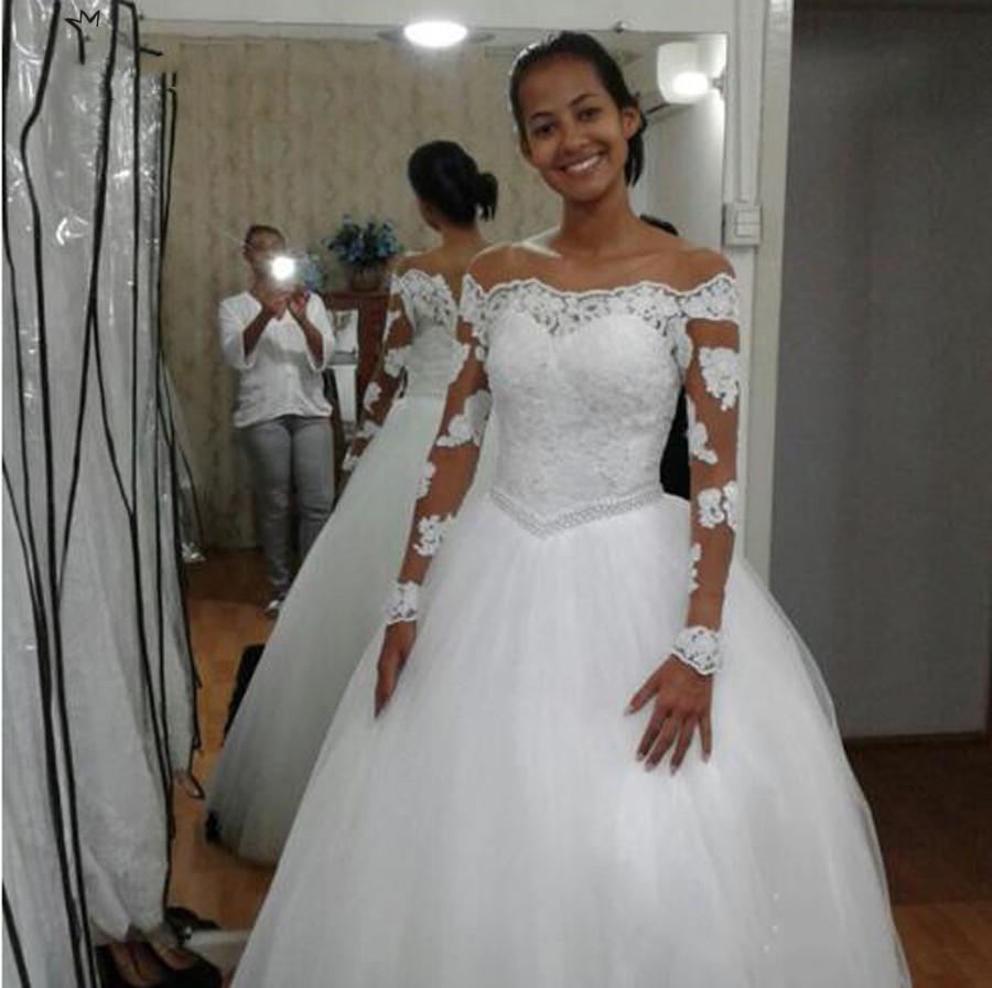 2020 robe de bal Afrique Robe de mariée Applique dentelle encolure bateau perles Blanc Tulle manches longues Longueur de plancher Robes de mariée