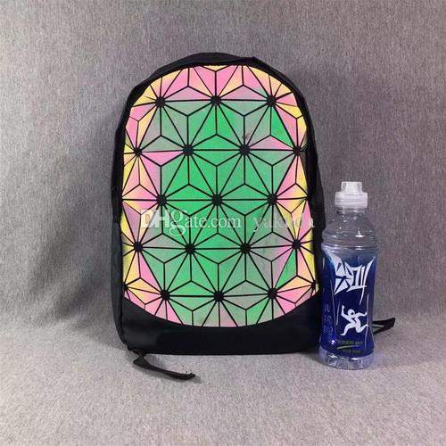 3D Roll Backpack Geometric Design Backpack Outdoor Shoulder Bag Men Women Tidal Bag Travel Computer Backpack Sports Waterproof Student Bag