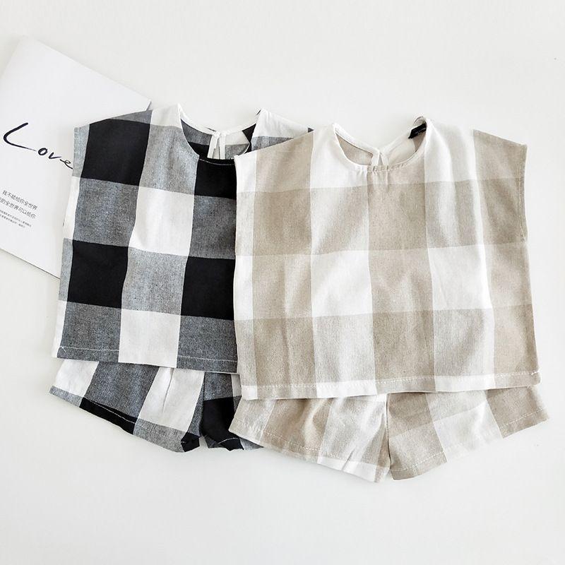 Yaz Yeni Kore Tarzı Bebek Erkek Ekose Elbise Seti Bebek Çocuk Çocuk pamuk Keten Kısa Kollu Tees + şort 2 adet Kıyafet Q190523 Suits