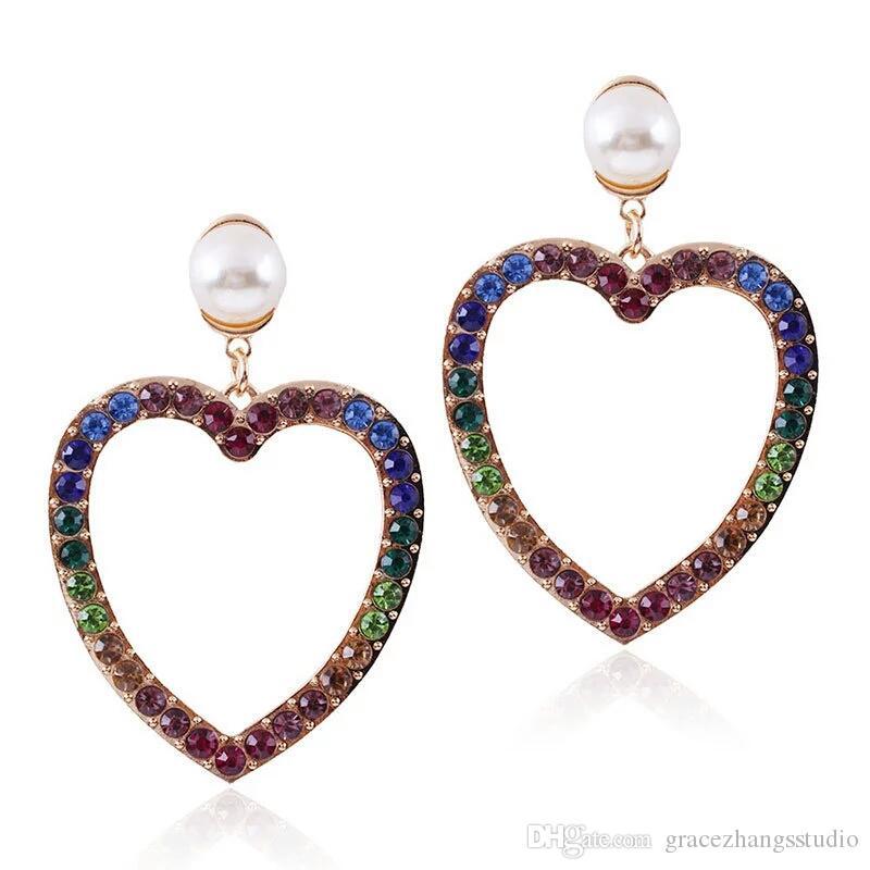 لؤلؤة القلب الملونة الماس تتدلى الأقراط للنساء الغربية كريستال الثريا أقراط ذهبية فضية سبيكة حجر الراين المجوهرات الفاخرة