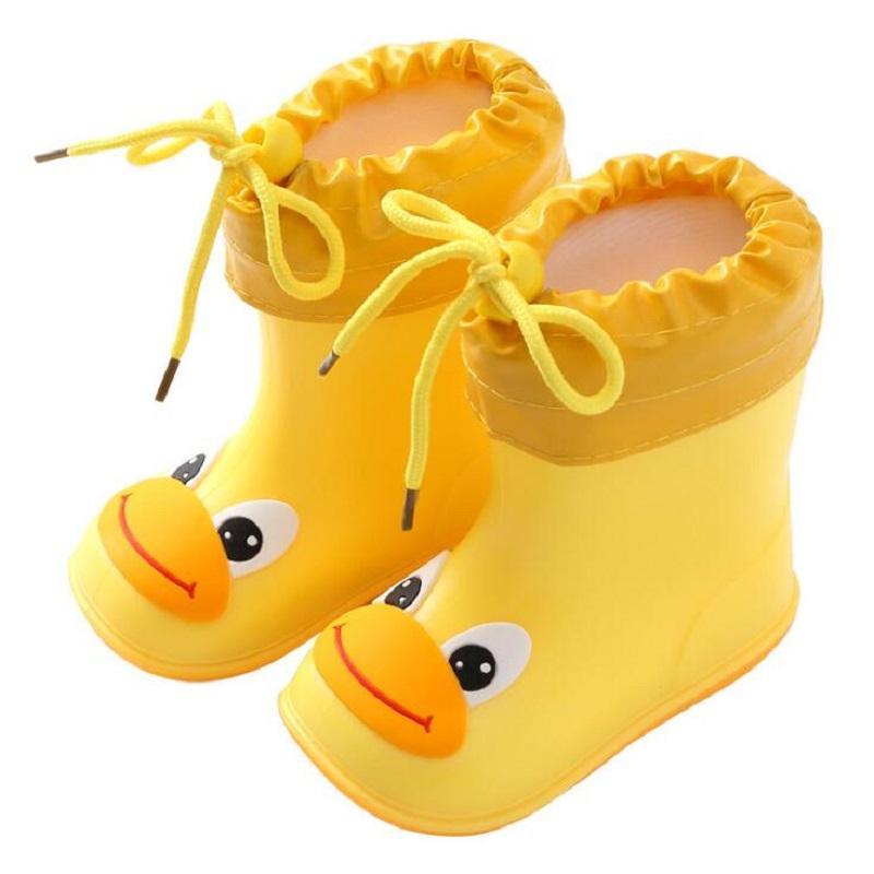 Zapatos nueva manera clásica para niños de dibujos animados de PVC de goma para niños Zapatos de bebé para niños de agua a prueba de agua botas de lluvia