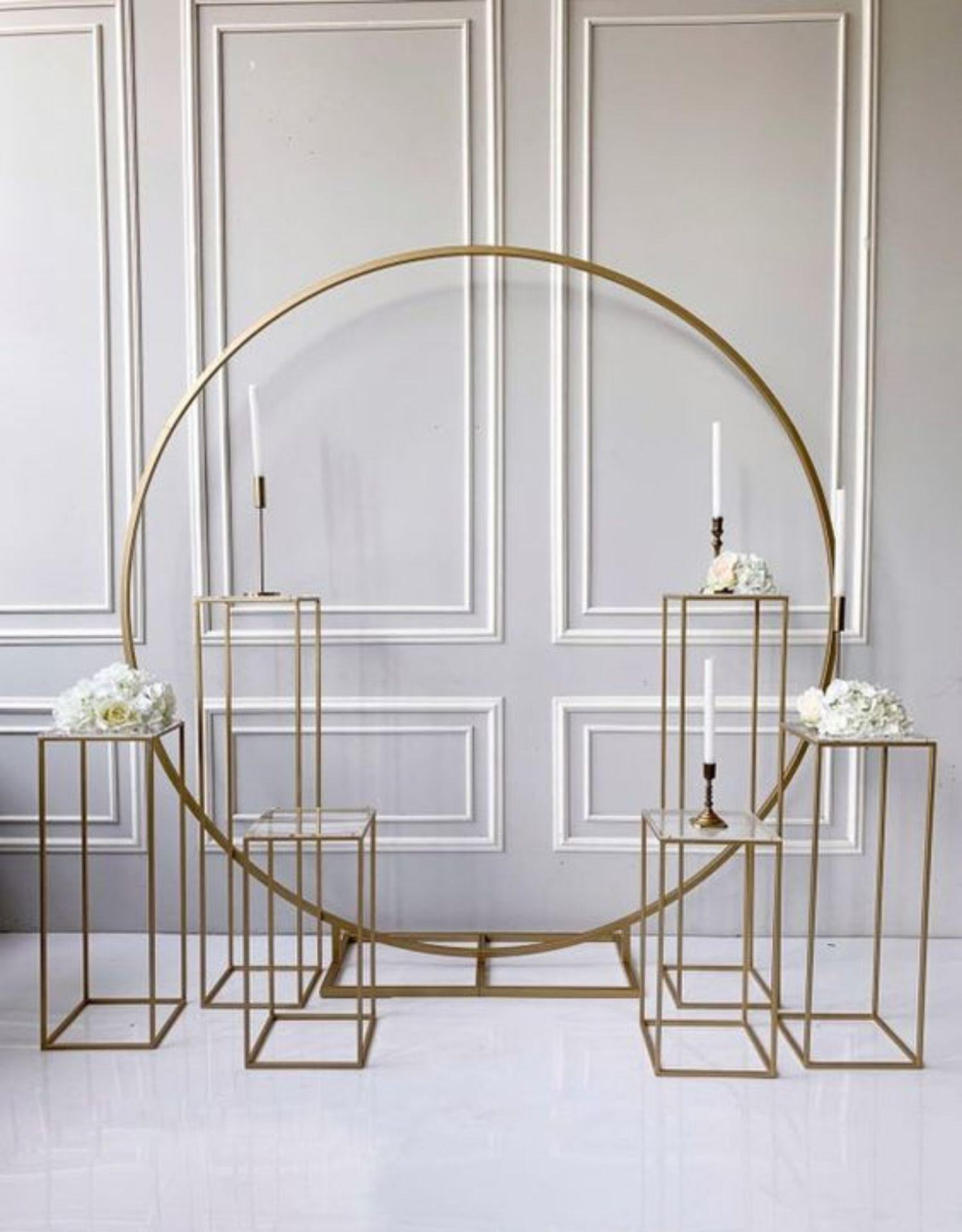 Metal plinths grand-event geometric props wedding decoration backdrops arch outdoor lawn flowers door balloons rack iron circle Birthday Party Sash Background