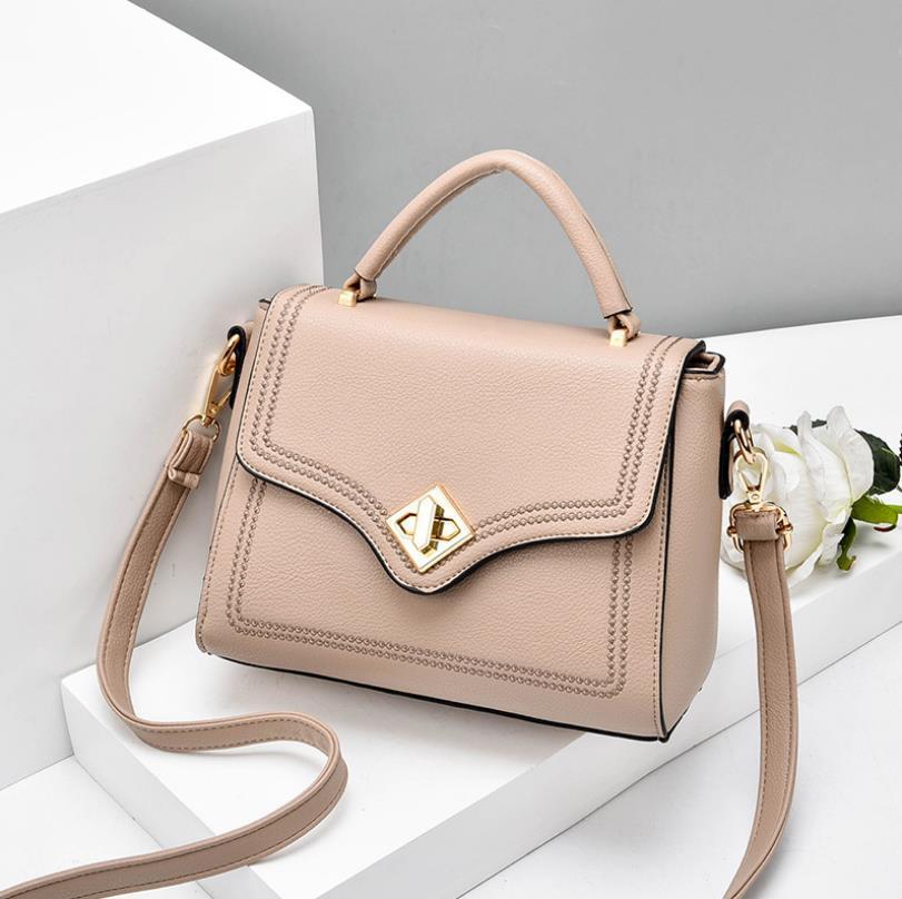 Простые Модные сумки Женская сумка 2020 Новая мода Креста тела для женщин Сплошной цвет сумки на ремне