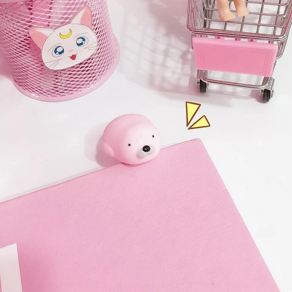 Cartoon mignonne petite pincée mignon appelé amour jouet vent petit lapin jouet de bain fun pincée de vent de poulet
