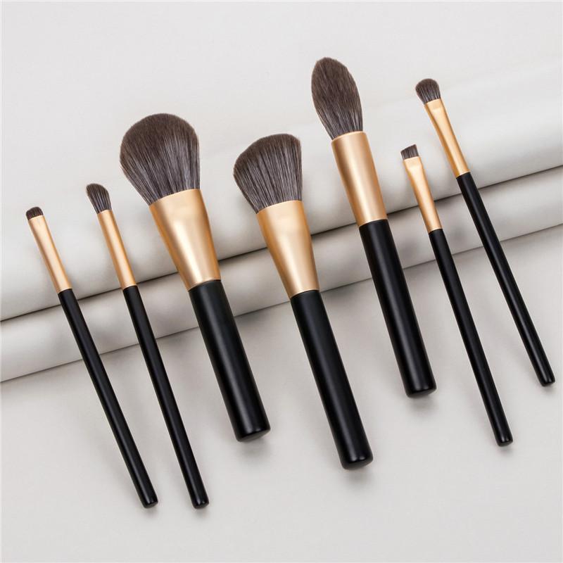 7pcs ensemble brosse de maquillage portable outils de beauté Black Gold marque en bois poignée de poudre libre eye-liner Ombre cils pinceaux T07091
