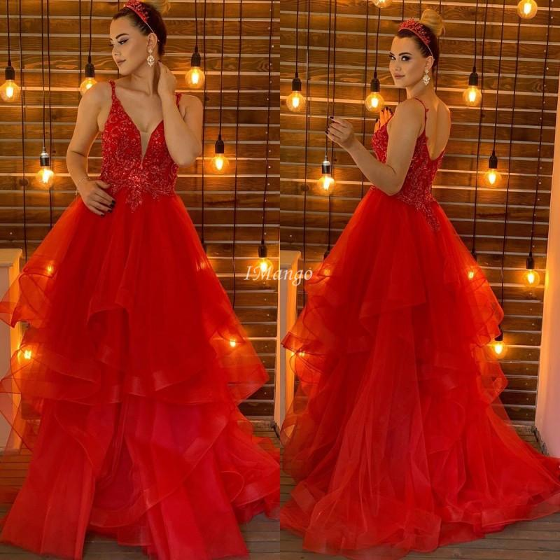 Chic Red Evening Dresses 2020 Lace Appliques Zipper Back A-Line Tiered Pleats Formal Prom Gowns Sweep Train Plus Size