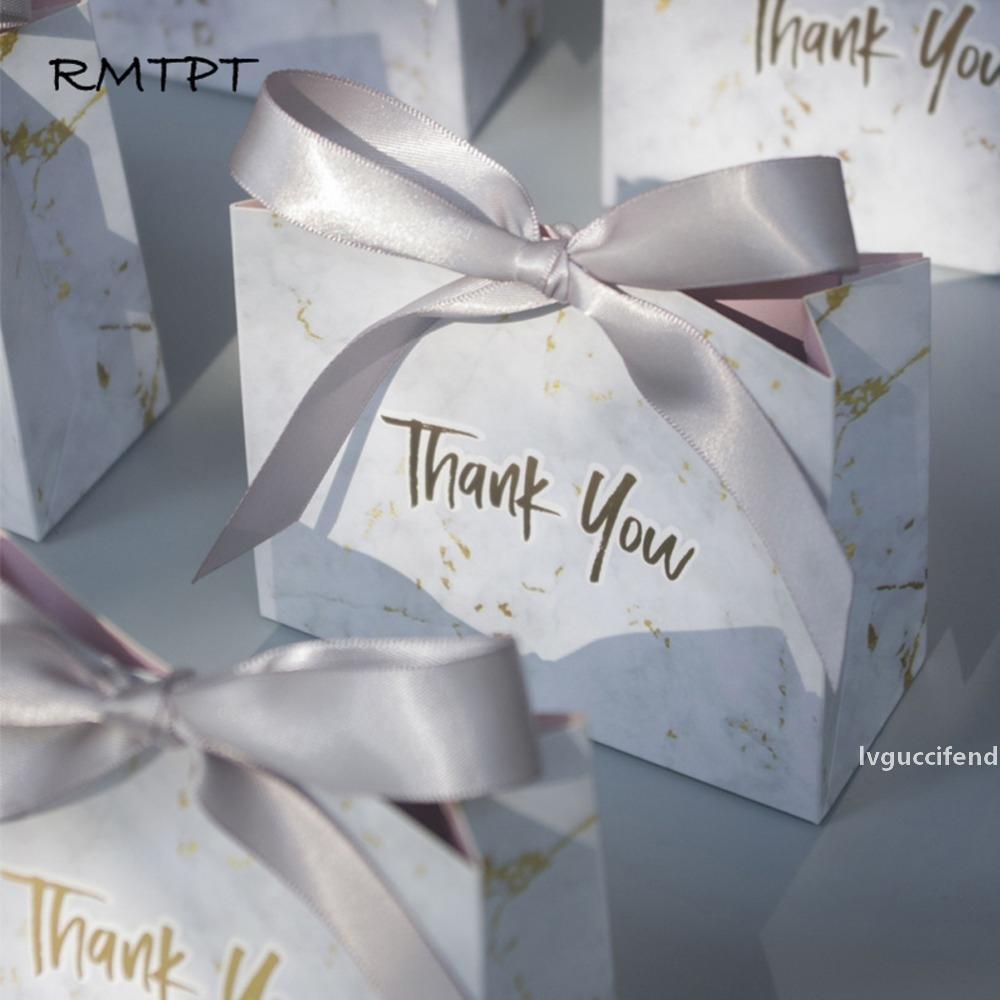 estilo mármol RMTPT 50pcs / lot del nuevo regalo creativo de la ducha favores cuadro de la boda del bebé Artículos de fiesta gracias cajas del caramelo envío gratuito T200115