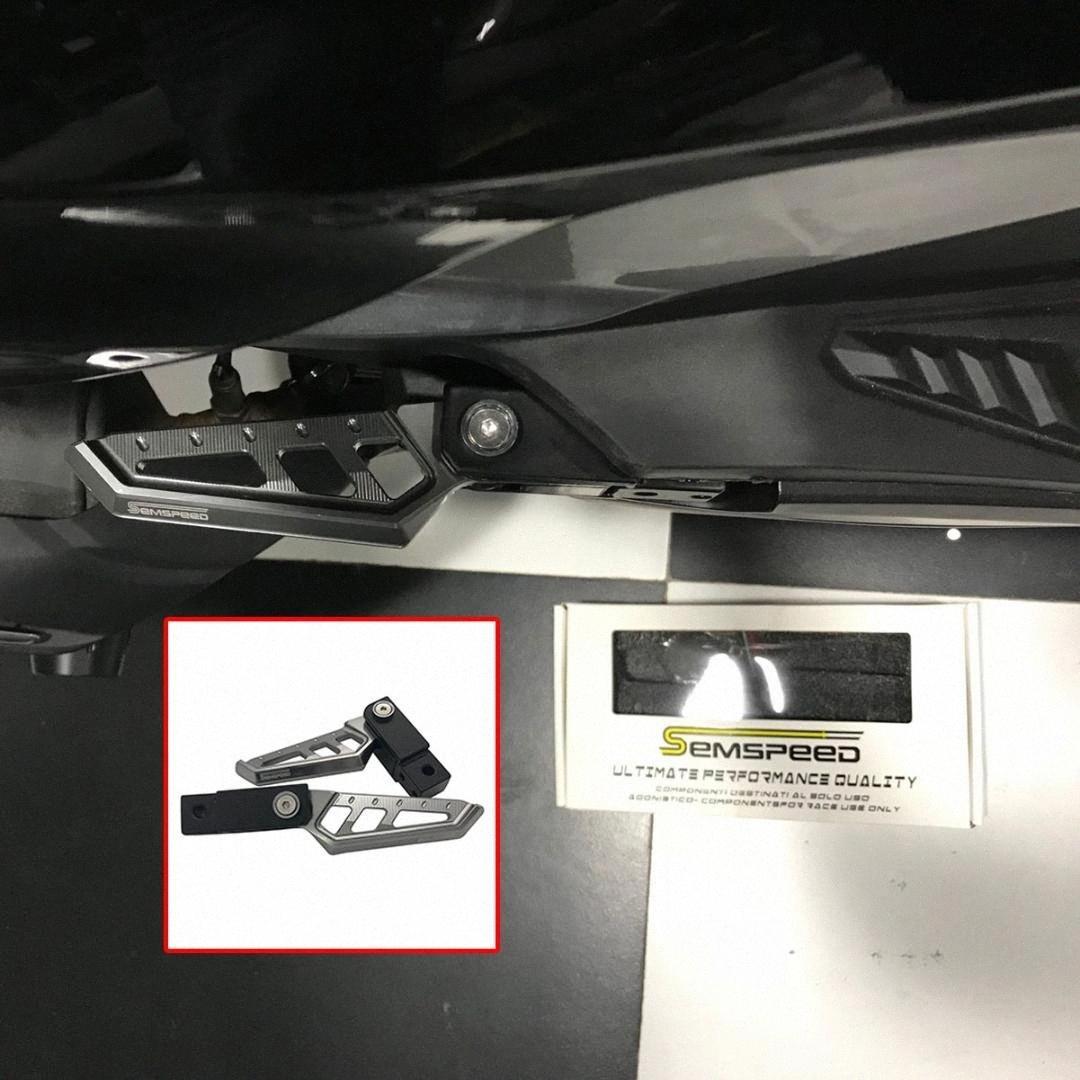 Pasajeros de la motocicleta Vespa giratoria trasera del reposapiés clavijas del pie del pedal Para XMAX300 400 125 NMAX155 125 Aerox155 NVX155 AART #