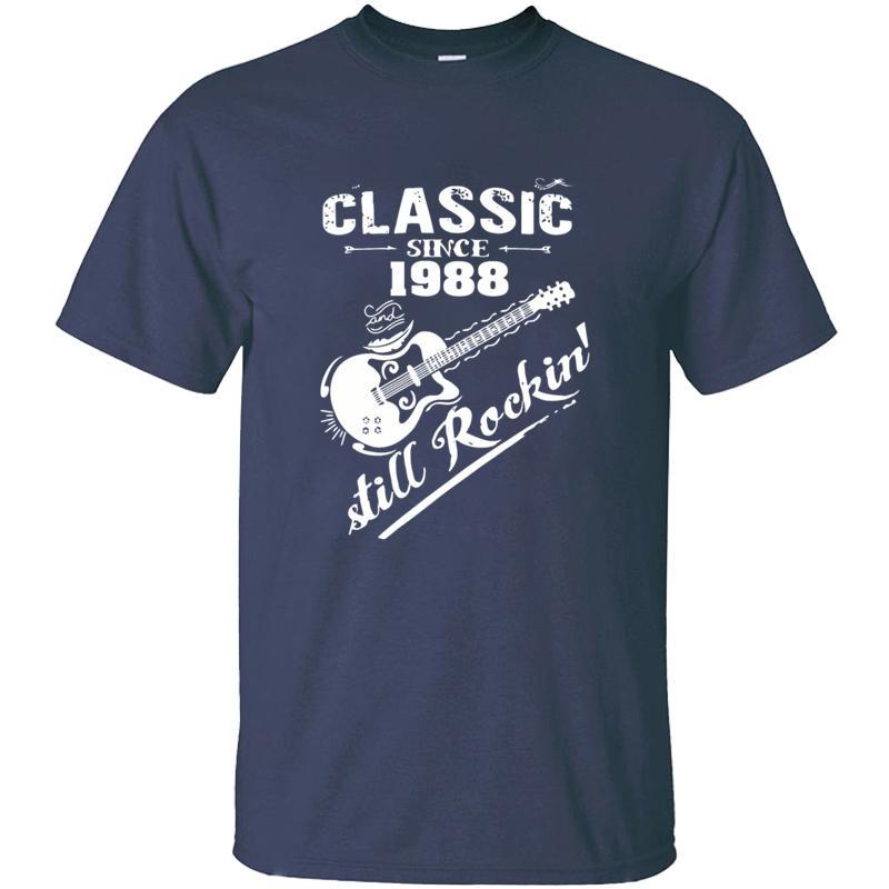 1988 yılından bu yana Örme Komik Klasik Ve hala Rokin Tişört Man Pamuk Kırışıklık Karşıtı O-Boyun Temel Katı Comics Erkekler T Shirt