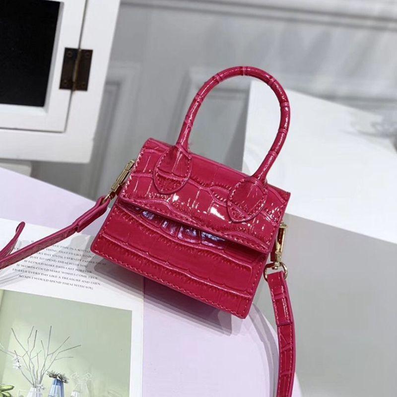 Мини маленький квадрат сумка 2020 Мода высокого качества PU кожа Женская сумка Крокодил Pattern Chain плеча сумки