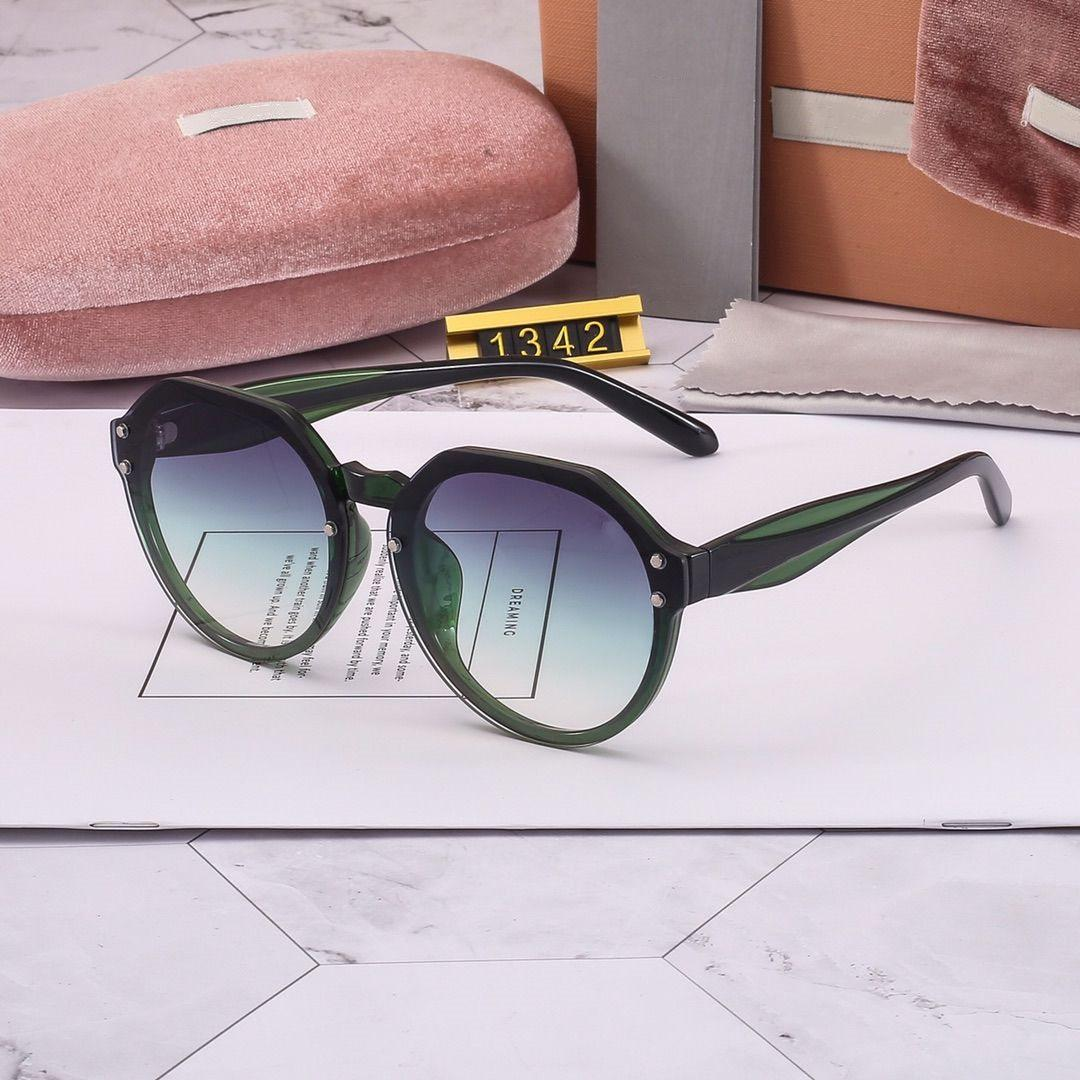 Mujer moda gafas de sol gafas de sol de verano para mujer Modelo 1342 gafas de sol UV400 de 6 colores con alta calidad con la caja de regalo