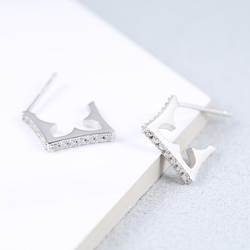Pendientes irregulares pendientes de plata D S925 Mujer geométrica simple de la manera elegante del oído Micro incrustaciones de circonio Fabricantes de Postes MOQ1