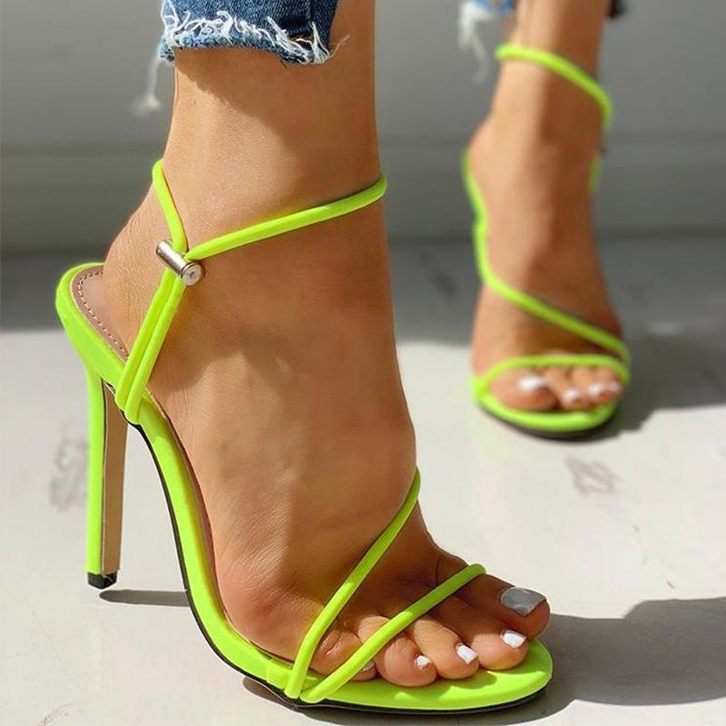 Frauen-Sommer-dünne hohe Absätze Sandelholz-Süßigkeit Farbe Corss Gebunden Weibliche Böhmen schnüren sich oben beiläufige Strand-Schuhe Damenmode Footwea