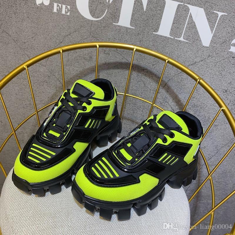 2019 Calçados Femininos New Season Fashion Designer de sapatos de luxo de couro de Men Lace Up Platform Oversized Sole Sneakers Branco Preto gd190803 Casual