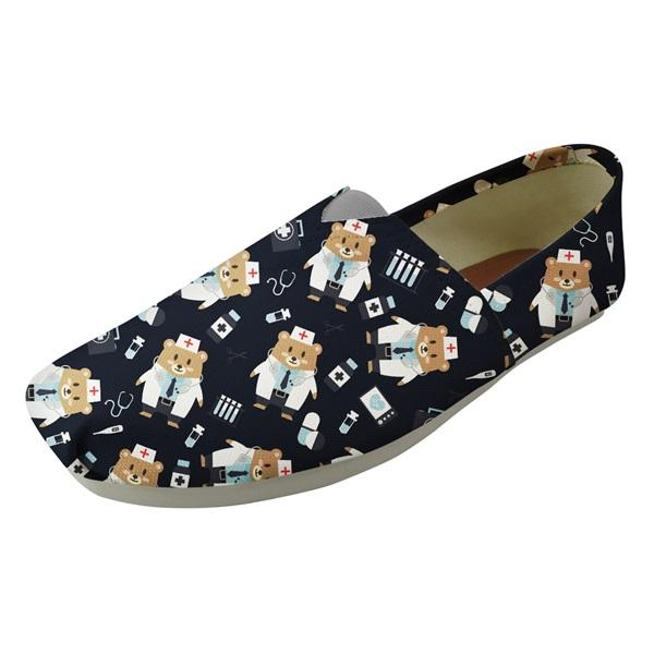 Cute Cartoon infermiera orso Stampa Estate Pigro Slip On cotone Shoes per Teen Girls Moda Nursing punta quadrata pattini degli appartamenti
