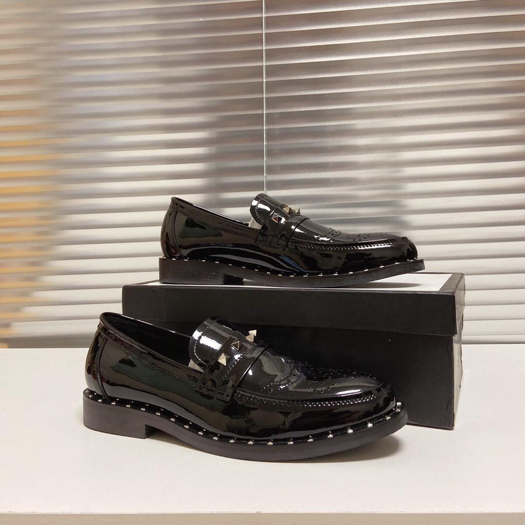 Scarpe moda sposo Abito da sposa 2020 Genuine Leather Oxford uomini di marca formale Business Designer Rivetti Flats formato 38-44