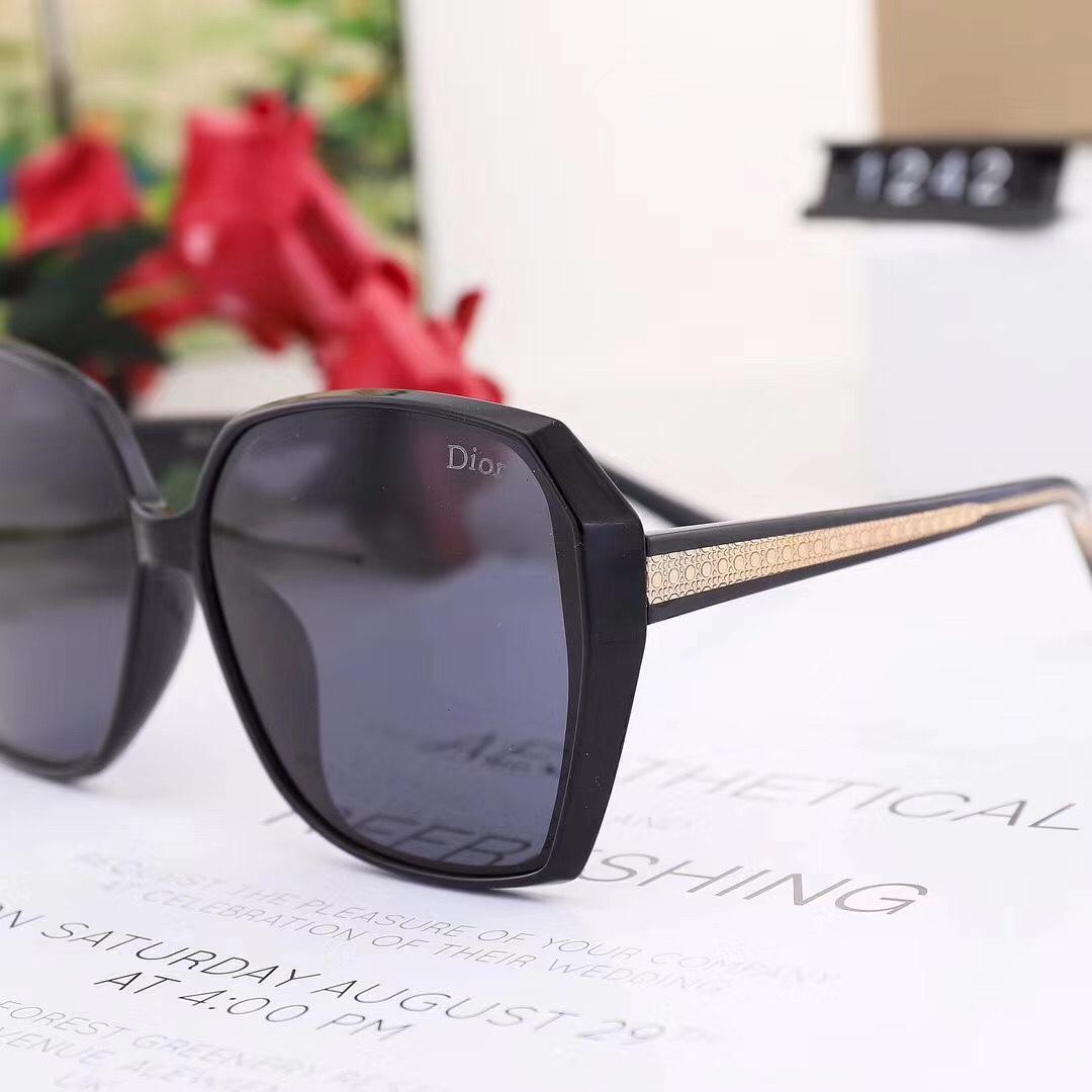Los nuevos hombres de moda del marco óptico de los vidrios sin rebordes del metal del oro cuerno de búfalo Gafas claras gafas de sol lentes