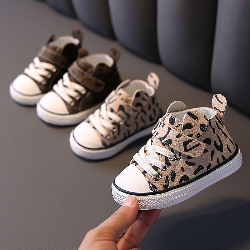 Scarpe casuali dei bambini leopardo di autunno dei bambini dei pattini casuali del bambino del bambino Mocassini