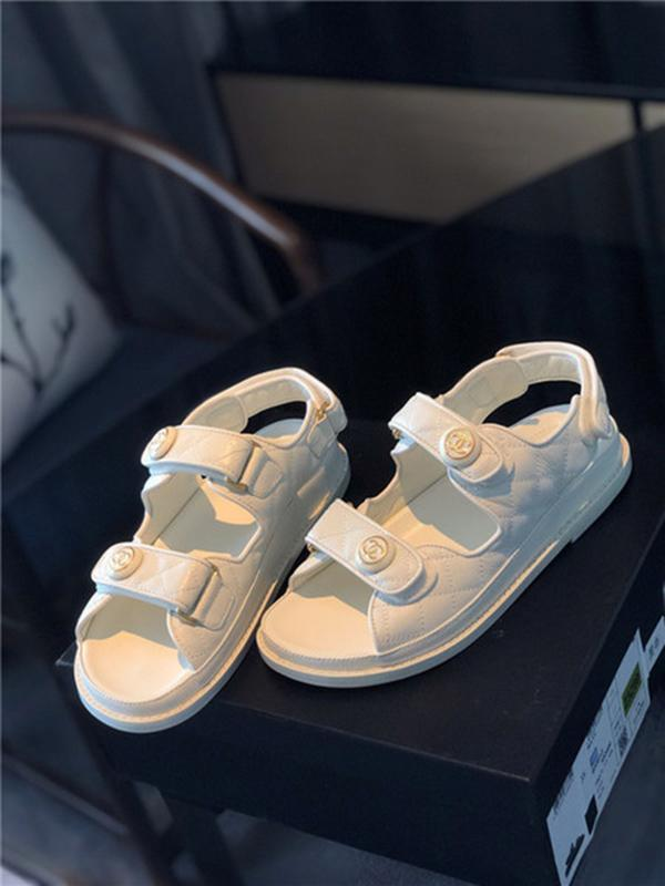 2020 New Arrival Super summer sandals fashion slippers luxury mens and womens slippers sandal Velcro flat sandals 2020