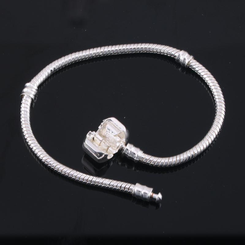 2020 klasik Pandora ilk zincir Yeni snakebone Bilezik DIY kolye aksesuarları enfes hediyeler toptan yapmak boncuklu