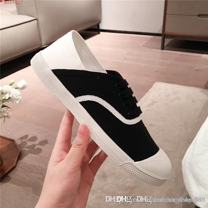 Fashionable color matching small white shoes, casual sports shoes lace up canvas flat bottomed womens shoes Original packaging