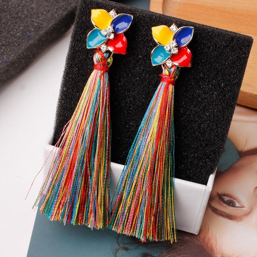 Moda frangia lunga nappa orecchini di fascino di cristallo della glassa del gocciolamento del pendente del fiore ciondola Orecchini in Eardrop per le donne Monili Regali 8Colors
