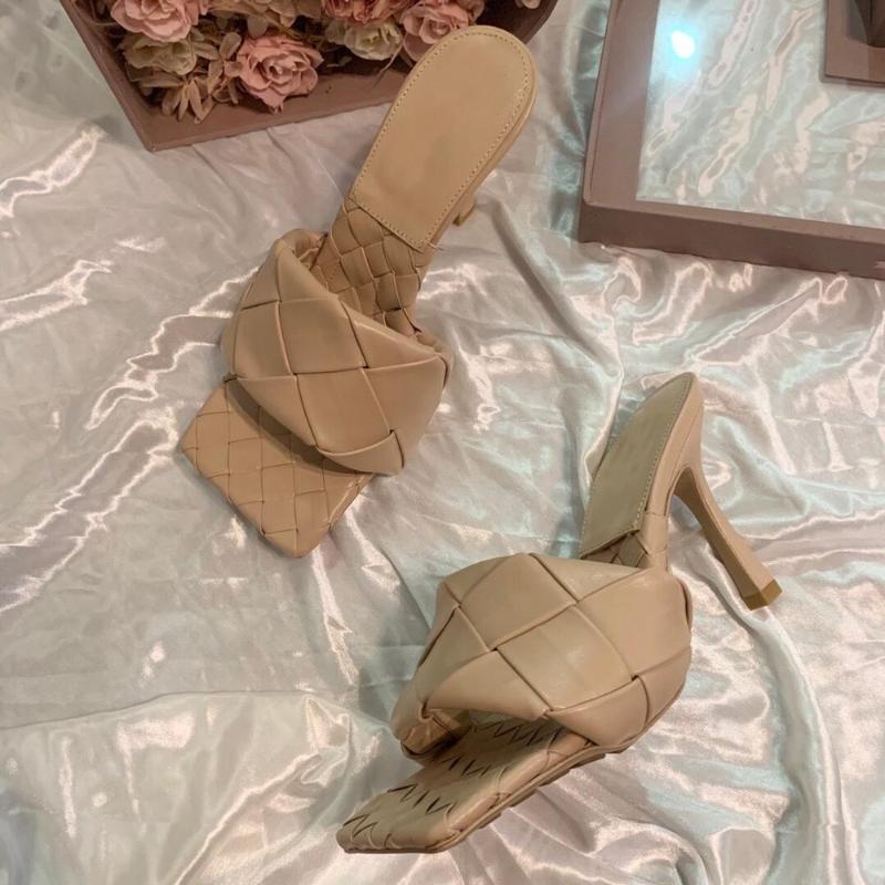 2020 Sıcak Zapatos De Mujer Ayakkabı Kadınlar Yaz Terlik Yüksek İnce Topuklar Terlik Açık ayak parmakları Deri Dokuma Açık