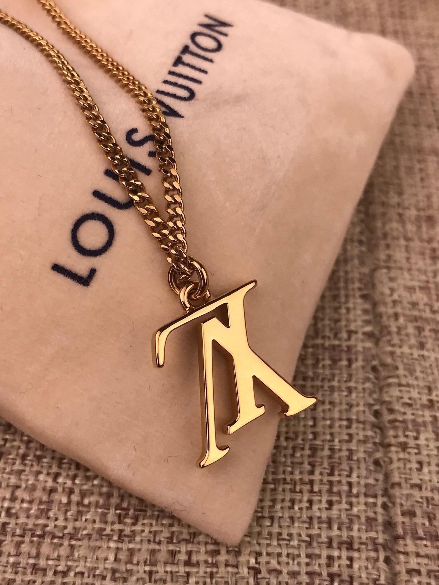 LOUISVuitton tasarımcı takı hip hop tasarımcı kolye kelebek kolye mens 14k altın zincir baş harfi P8 dışarı buzlu