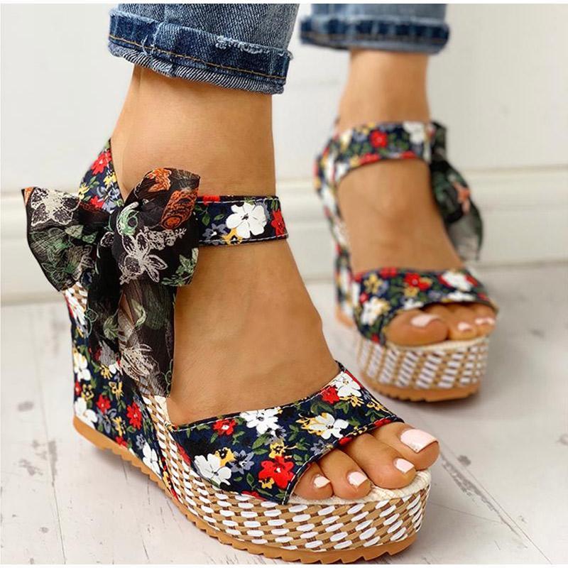 Frauen-Sommer-Keil-Sandelholz-Weibliche Blumen Bowknot Plattform Bohemia High Heel Sandaletten Fashion Knöchelriemen öffnen Zehe-Damen-Schuhe