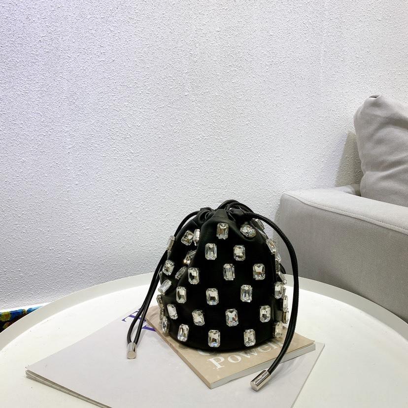 cTsP7 Интернет знаменитость небольшое 2020 лета нового Корейская тяжелой промышленности вспышка Алмазного ящик ведро модного плечо мешок плечо Rhinestone ваты