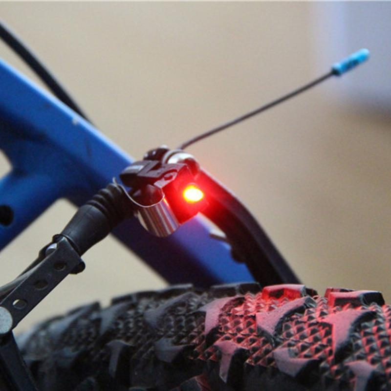 Мини-Brake свет велосипеда Маунт Хвост заднего велосипедов Свет Велоспорт LED высокой яркости Водонепроницаемый светодиодные лампы Велоспорт аксессуары