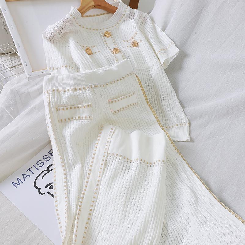 Otoño 2020 Blanco / Negro de punto de las mujeres de dos piezas de los vestidos sistema de la manga corta ocasional elegante O-cuello Tops camisas y pantalones sueltos de 2 pedazos