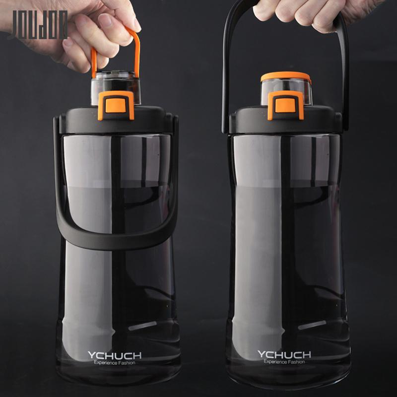 Botellas JOUDOO de gran capacidad plástica de agua 2100ML Botella portable del filtro taza de agua del deporte al aire Copa Vaso Botella Hombre 35 T200713