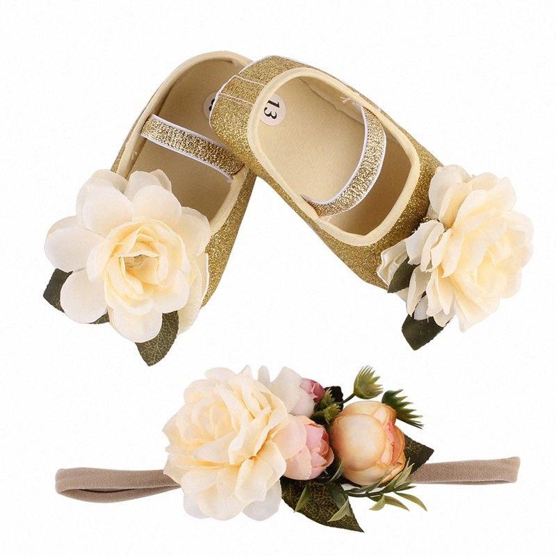 Elegante fiore di simulazione fasce del bambino Con Shose Set neonati bambino Walkers fiore del piede Fiori pattini della neonata Accessori Red Ha isFn #