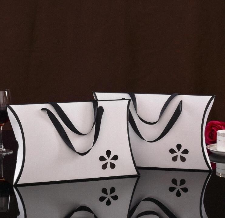 10pcs lot white black Pillow Hollow gift box with handle, scarf towel silk T-shirt paper packaing box,shopping bags design eKOa#