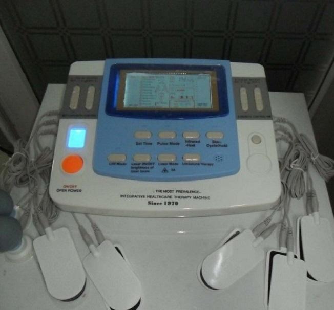 110-220V المنخفضة والمتوسطة العلاج التردد الأجهزة الكهربائية الوخز بالإبر الموجات فوق الصوتية والليزر العلاجية جهاز تدليك الجسم