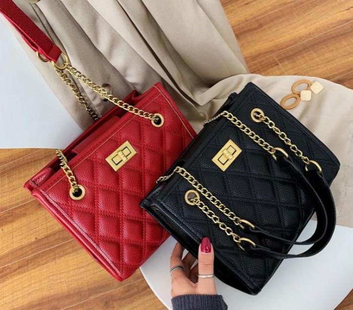 Sacs de créateurs Femmes 2020 Sacs populaires Mode Petit parfum de style épaule Messenger Bag diamant Chain En stock