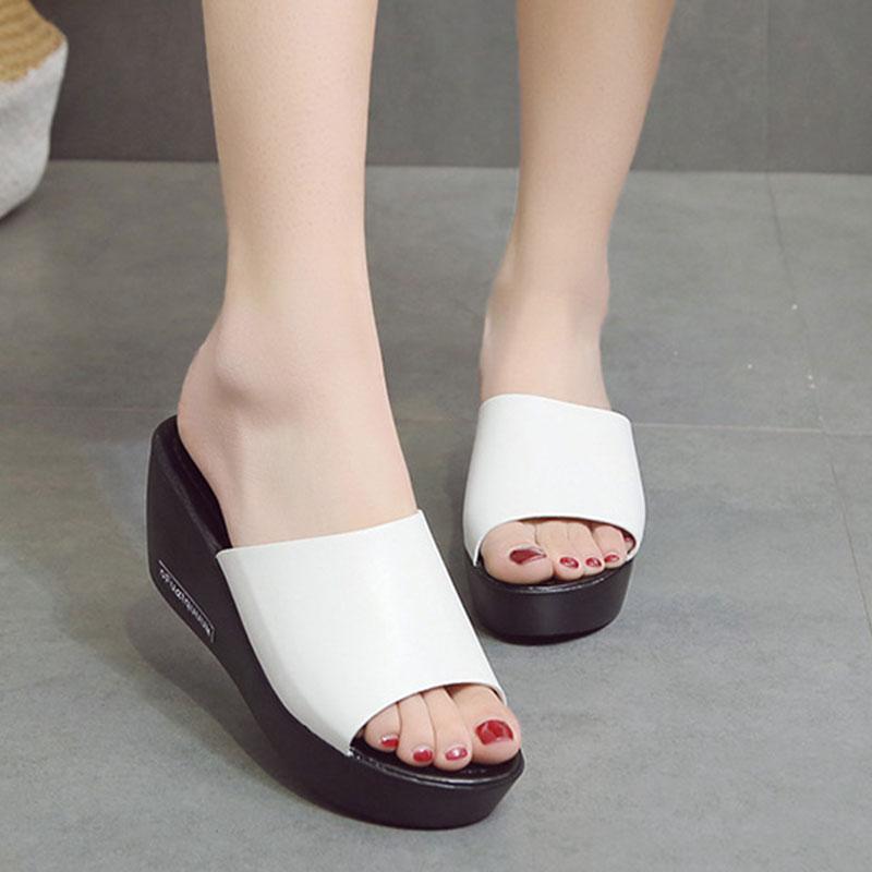 Frauen-Plattform Sandelholz-Dame Solid Black Weiß Sandalen Weibliche Mode-Keil-Absatz-Sommer-Flip-Flop-geöffnetes Zehe-Large Size