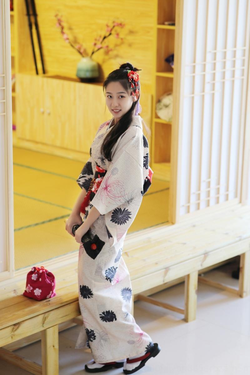 Roupão Kimono imitação das mulheres japonesas roupas de fibras químicas tecido modificado roupão terno alça Daisy tradicional quimono