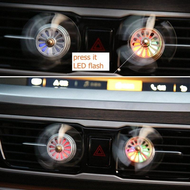Nuovo Styling LED lampeggiante 2/3 auto Deodorante Vent del profumo della clip del cunicolo di ventilazione del condizionatore Profumo Elica Style 1EeG #
