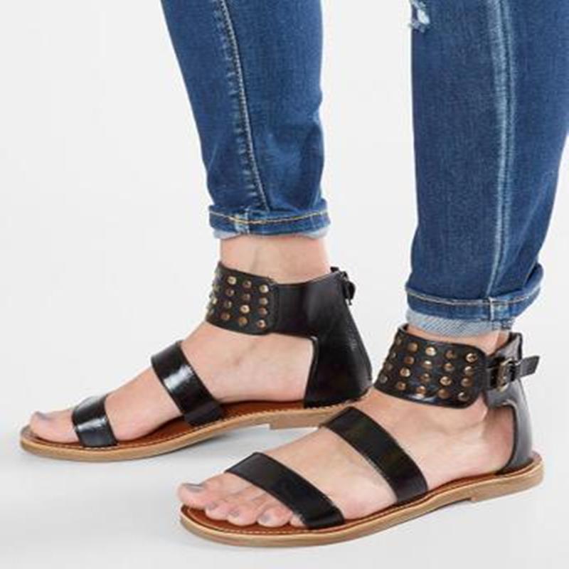 Siddons 여성 검투사 샌들 여름 2020 여성 신발 여성 버클 스트랩 리벳 캐주얼 신발 여성 블랙 가죽 플랫 샌들