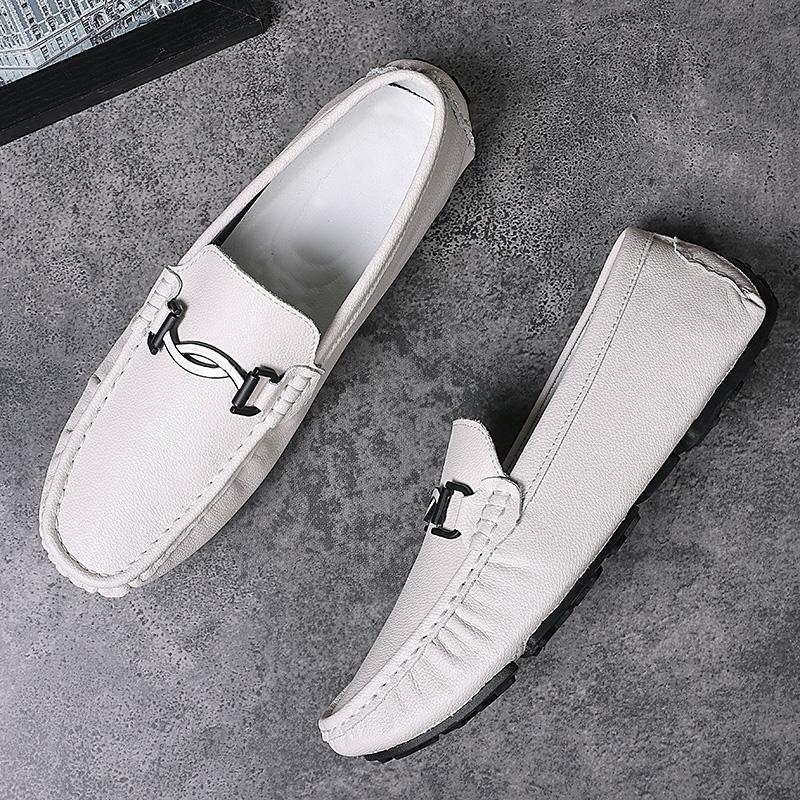 Erkek loafer'lar Sürüş günü 2020 deri ayakkabı erkekler Flats Kayma Makosenler Homme Erkek Günlük Moda Elbise Düğün ayakkabı Ayakkabı