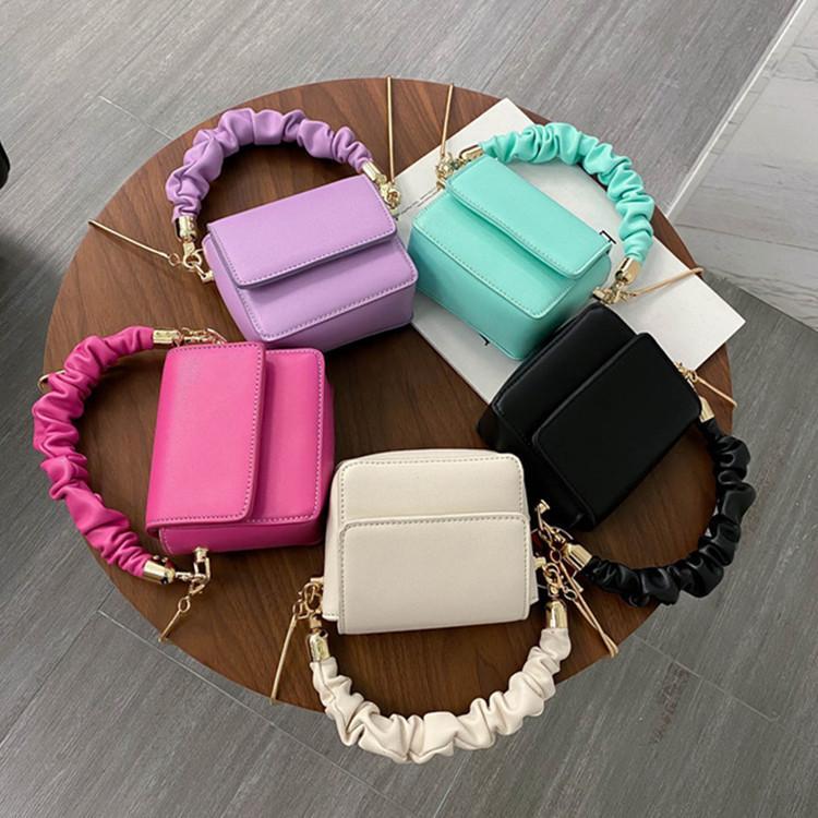Новая женская сумка Wild Коммуникатор цепи сумка Mini плеча Малый квадрат Портативный Посыльный Мода Solid Color Change