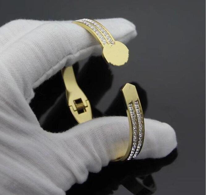 2020 high quality girls 316 Titanium Steel 18K rose gold black wide love letter wedding bangles bracelets for girls women free shipping