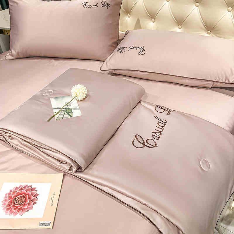 Súper cómodo suave de lujo del bordado del 100% de algodón y colcha de seda lavada y la hoja de fundas de almohada Textiles para el hogar Ropa de cama Set