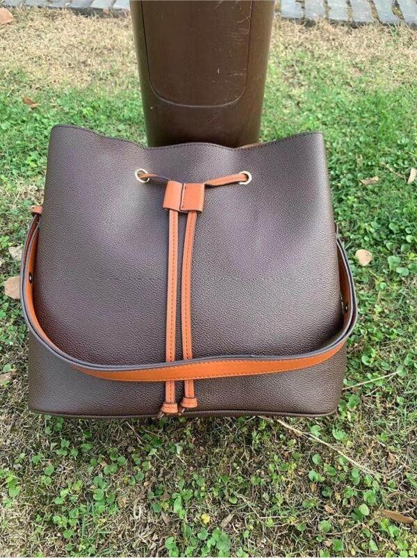 2020 Новая сумочка крест плечо синтетическая модная кожаная сумка сумка узор мессенджер цепь Shell EWSXV