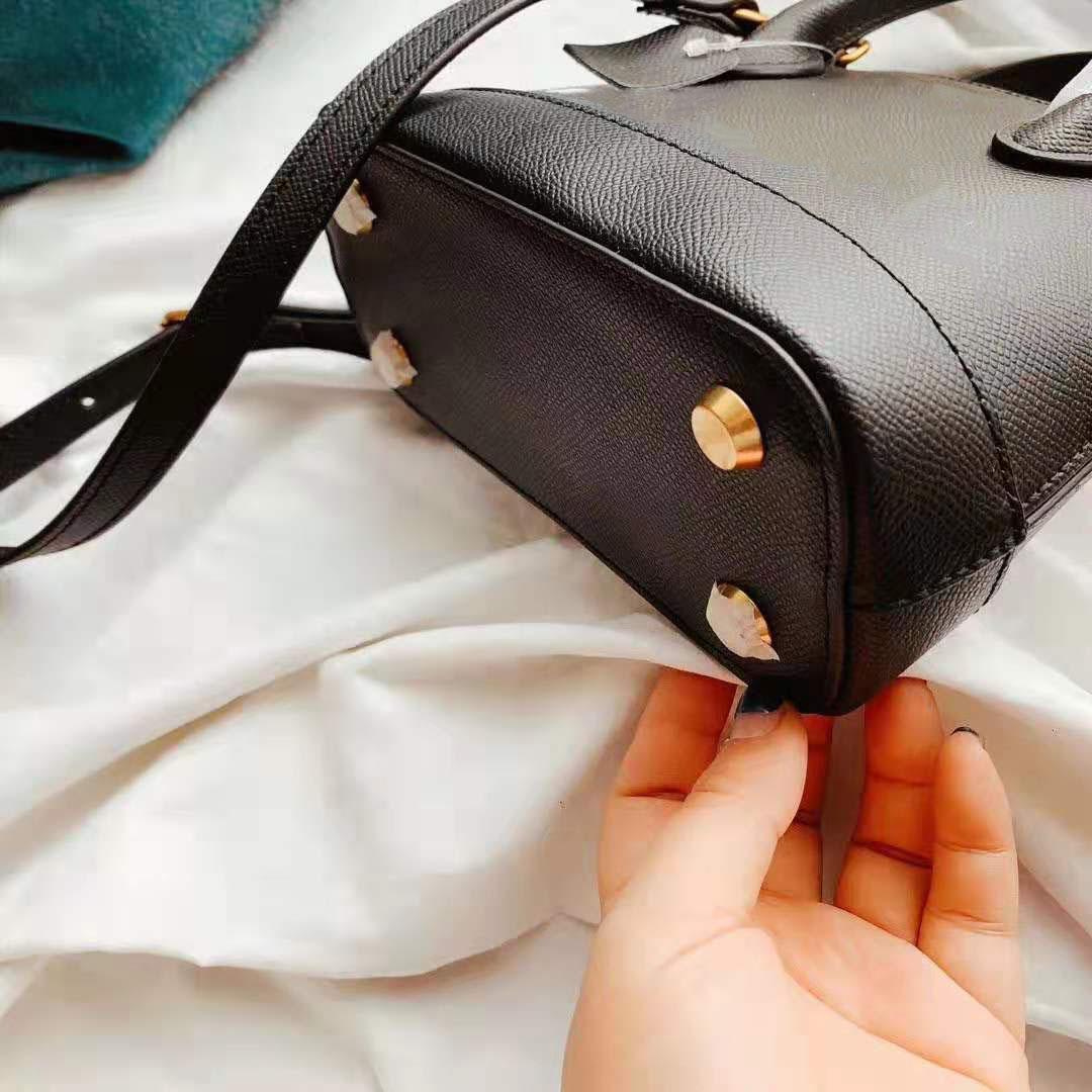 Moda bolsa Ladies Mini Bag Bolsas Moda Tamanho 18CM 15CM elegante bolsa de moda Hot clássico Crossbody Bag