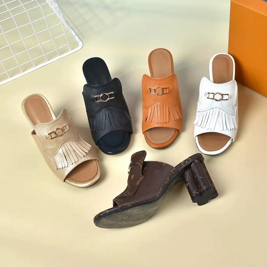 Hochwertige Frühjahr Sandalen Designer-Schuhe Classics Marke Pantoffeln Sommer flache Sandalen Modedesigner Schuhe Leder Strandschuhe SC44 bag04