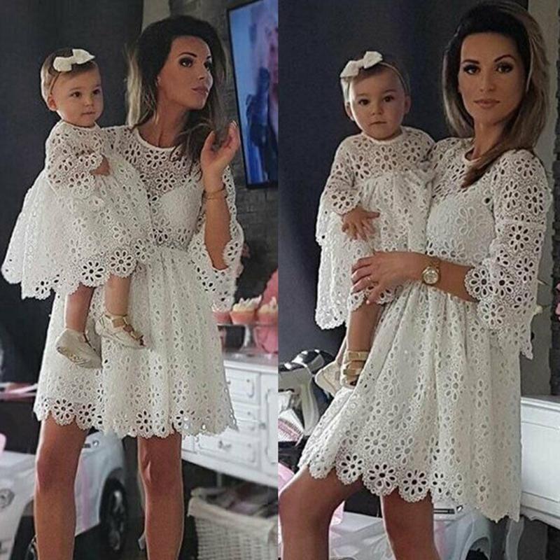 Dress For Branco Vintage Bebê Mulheres vestido de renda mamãe e bebê Matching doces florais Lace roupa branca Familiares